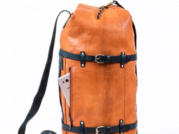 Packshot produit sacs en cuir artisanal marocain souk semmarine Marrakech