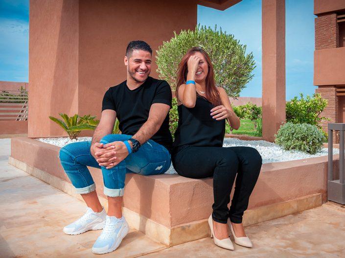 Photographe professionnel noir et blanc pour femme enceinte à Marrakech